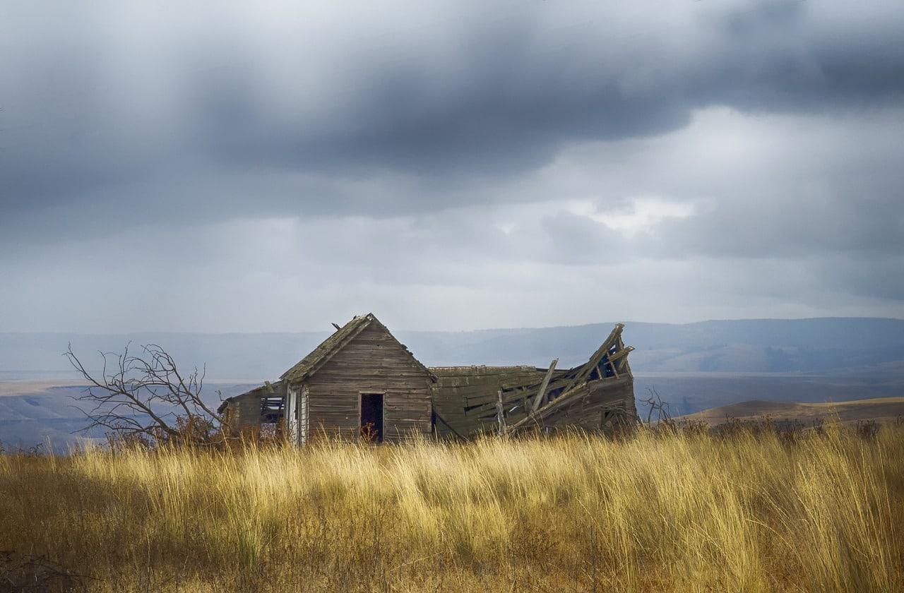 Grass Homestead Abandoned  - jdblack / Pixabay